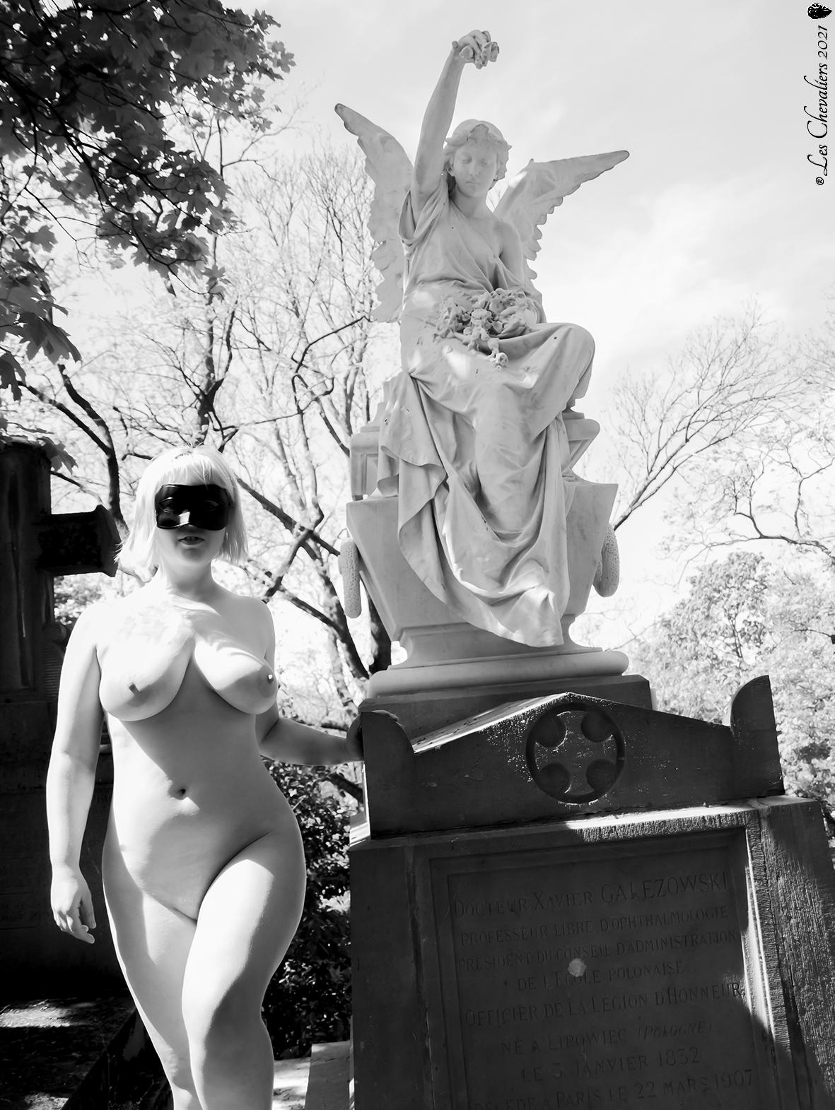 """Ange et Sucube, une photo de la collection """"Performance"""" par Les Chevaliers Photographes."""